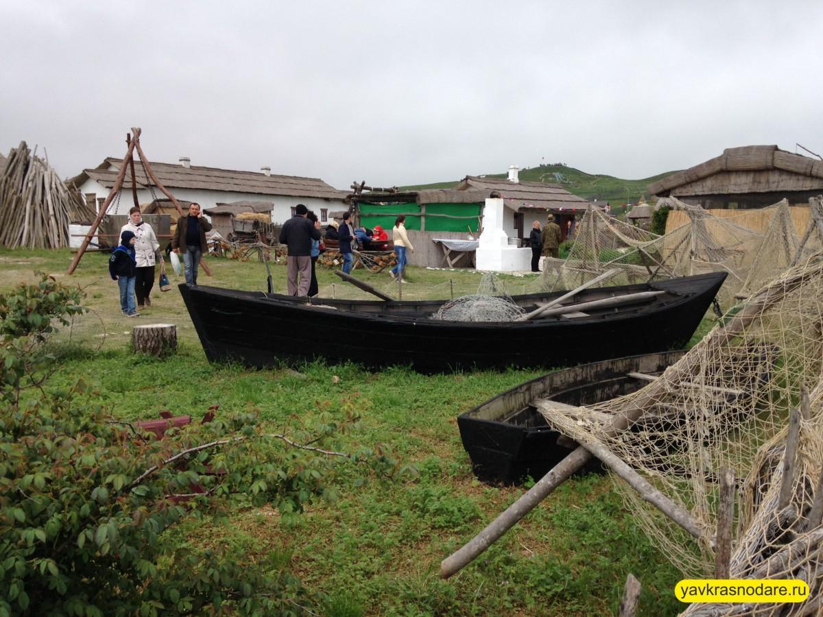 Лодка в Атамани