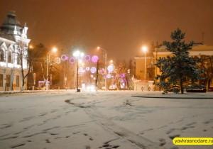 Снег в Краснодаре. Пушкинская площадь